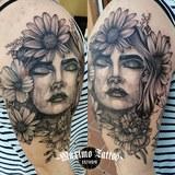 Tatuador / tatuajes - foto