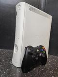 Xbox 360 rota y mando - foto