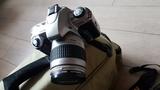 cámara RÉFLEX F65 analógica - foto