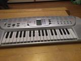 Piano electronico Casio SA-75 - foto
