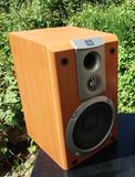 Altavoz JBL de dos vías con Bass Reflex - foto