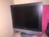"Tv - monitor lcd pequeño 22 "" - foto"
