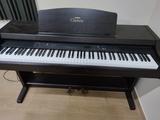 Yamaha clavinova - foto
