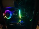 PC gaming con monitor nuevo ratón y mous - foto