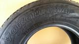neumático yokohama - foto