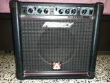 Amplificador PEAVEY Rage 158 - foto