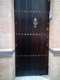 montador de puertas - foto