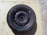 ruedas con llanta - foto