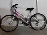 Biciclera de chica - foto