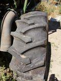 Ruedas de tractor - foto