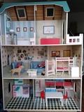 Casa de muñecas de madera \\\\\\\\\\\\\\ - foto