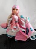 Muñeca Nancy con scooter. - foto