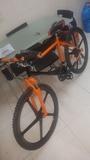Mecanico de bicicletas - foto