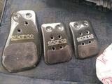 cubre pedales sparco - foto
