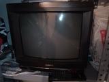 Televisión de 14 pulgadas Sony con mando - foto