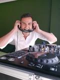 SE OFRECE DJ,  CON EQUIPO DE SONIDO - foto