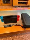 Nintendo Switch con funda y protectores - foto