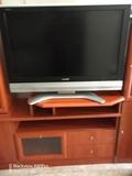 Televisor Sharp Aquos de 37 pulgadas - foto