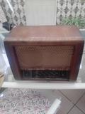 radio antiguo de válvulas Magestic - foto