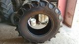 Ruedas tractor BKT 480/70R28 - foto