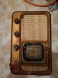 se vende transistor radio - foto