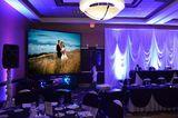 Alquiler proyector y pantalla para bodas - foto