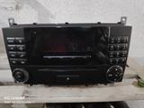 Radio original Mercedes MP3 W203 - foto