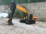 Excavadora rc 1:12 - foto