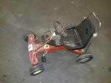 coche de pedales - foto