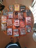 Various movies and video games are sold - foto
