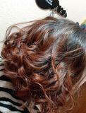 Se arregla cabello y uñas a domicilio - foto