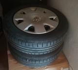 Llantas tapacubos y neumáticos VW Polo - foto