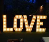letras love luminosas - foto