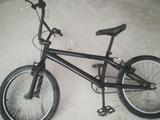 BMX Monty negra - foto