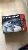 Nintendo 64 con caja - foto