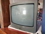 Tv de tubo de marca - foto