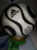 pelota adidas puzzle 3D tamaño real - foto