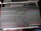 Mesa de mezclas profesional de 32 canale - foto