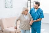 cuidado de personas mayores - foto