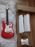 Guitarra eléctrica fender squier - foto