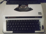 Dos máquinas de escribir - foto