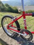 se restauran bicicletas - foto