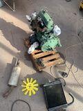 Motor, caja y repuestos mini antiguo - foto