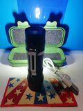 Linterna de leds compacta-recargable. - foto