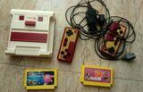 Consola de video juegos retro. - foto