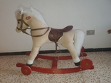 caballo balancín - foto