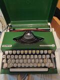 máquina de escribir olympia traveller de - foto