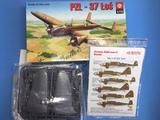 Maqueta avión PZL-37 Los 1/72. Calcas - foto