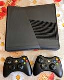 Kit X-Box 360, dos mandos y juegos - foto