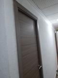 montador de puertas y muebles, parquet - foto